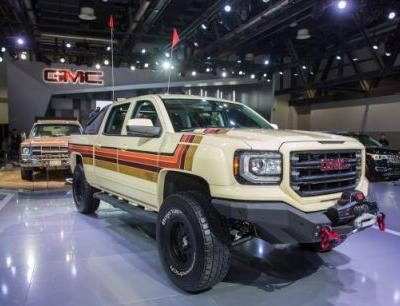 Rad Fox: GMC Debuts Wildly Retro Desert Fox Concept