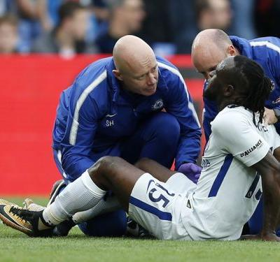 Chelsea must wait for Victor Moses recovery, says Antonio Conte