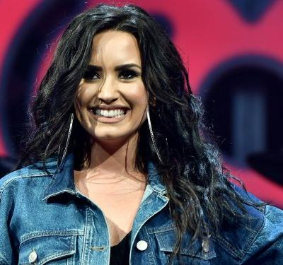 Demi Lovato knocked out trainer Jay Glazer's tooth during a workout and he had to glue it back in