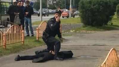 Knife attack in Russian city of Surgut, 8 injured, assailant killed by police