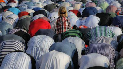 PHOTOS: Here's How Muslims Worldwide Are Celebrating Ramadan's End