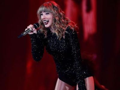 Bye, Big Machine! Taylor Swift Shockingly Changes Record Label To Universal Music Group