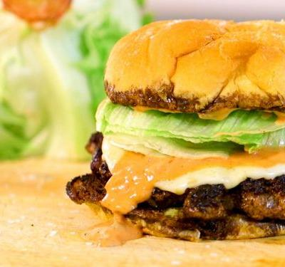 Watch: Techniques to Make the Perfect At-Home Burger