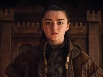 Watch Game Of Thrones' Maisie Williams Pull Off An Epic Knife Move Without CGI