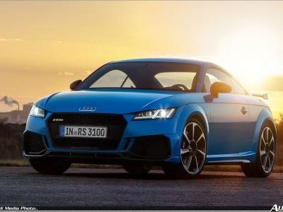 Compact Sports Cars in Peak Form: The New Audi TT RS Coupé and the New Audi TT RS Roadster
