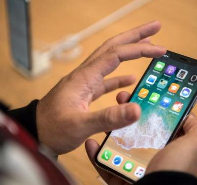 This chart shows iPhone X adoption has overtaken the iPhone 8 and iPhone 8 Plus