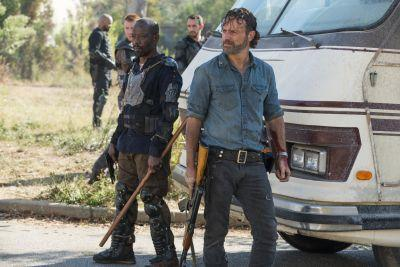 Why We All Need to Stop Waiting For The Walking Dead and Fear the Walking Dead to Intersect