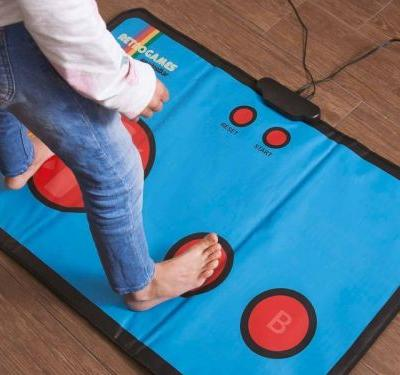 Experience 80s arcade games in a new way with this retro gaming mat