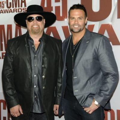 Montgomery Gentry's Troy Gentry Dies In Helicopter Crash On The Way To Concert