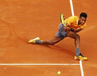 Félix Auger-Aliassime in semifinal of French Open tune-up tourney