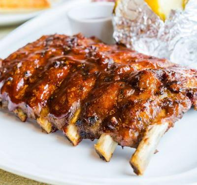 What's the Difference Between Baby Back Ribs and Spare Ribs?