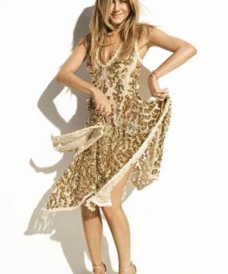 Jennifer Aniston Shines on Our October CoverThe actress opens up