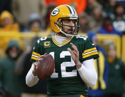 Rodgers works Hail Mary magic, Packers beat Giants 38-13