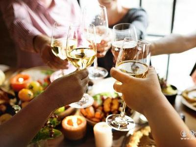 5 Wine Pairing Strategies for Thanksgiving