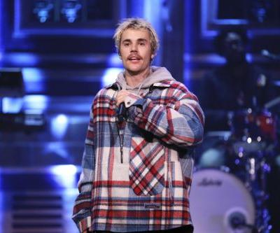 "Watch Justin Bieber Cover Marvin Sapp's ""Never Would Have Made It"" At Kanye West's Sunday Service"