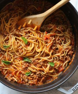 One-Pot Spaghetti and Meat Sauce
