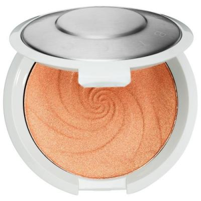 Becca Launched a New Highlighter in This Summer's It Color