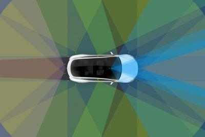 Tesla rolling out Autopilot to cars built since October, will limit Autosteer to 45 mph