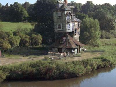 Harry Potter: 10 Hidden Details You Didn't Realize About The Burrow