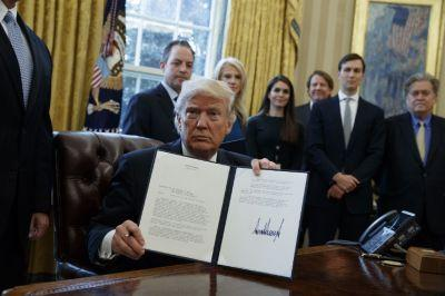 Trump uses executive order to revive Dakota Access and Keystone XL pipelines