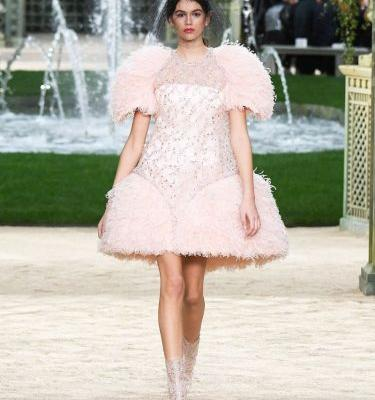 Kaia Gerber Just Made Her Couture Debut In the Dreamiest Dress