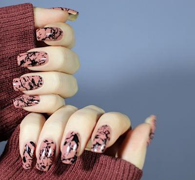 Black Paint Splashes: Simple & Quick Grungy Nail Stamping Manicure