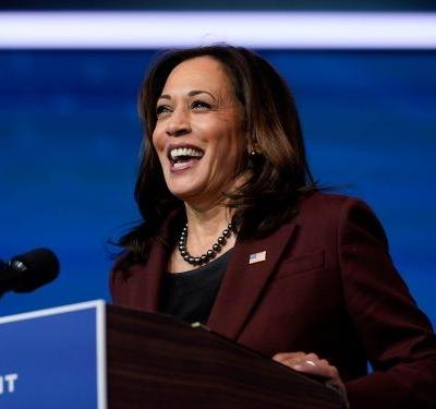 Kamala Harris calls nurse on Thanksgiving to thank her for her work fighting on the COVID-19 frontline
