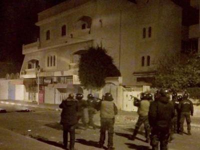 18 arrested in Tunisia amid violent protests