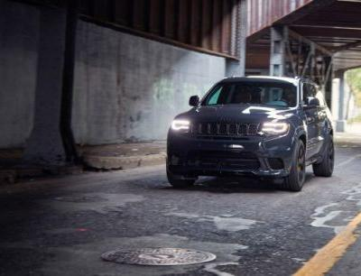 Helltruck: 707-hp Jeep Grand Cherokee Trackhawk Tested!