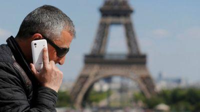 EU drops cellphone roaming charges