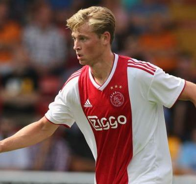 PSG and Barcelona target De Jong staying at Ajax until the end of the season