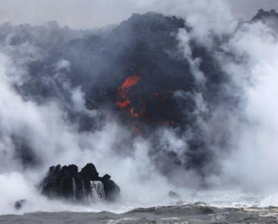 See Lava From Hawaii's Volcano Spew Into the Ocean and Create Toxic 'Laze'