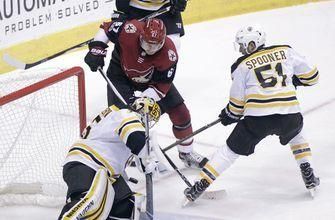 Bruins roll over winless Coyotes 6-2
