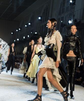 Alexander McQueen: Read-To-Wear SS19