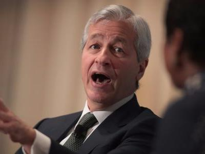 JPMorgan CEO Jamie Dimon lays out the market's worst-case scenario - and outlines 7 differences from the last financial crisis