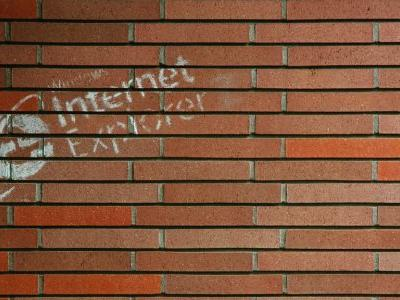 Internet Explorer has a major security flaw, but Microsoft can't patch it yet