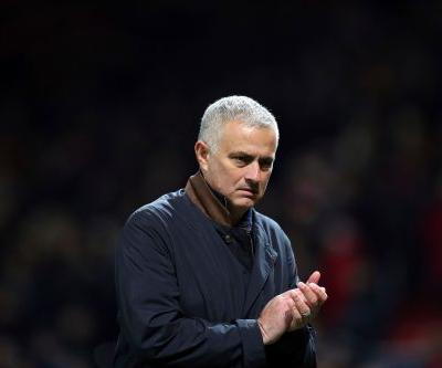 Mourinho expects to be without Sanchez until January