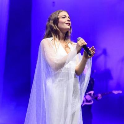 Maggie Rogers Takes A Powerful Stand Against Sexual Harassment At Her Shows