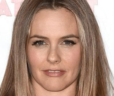The One Concealer Alicia Silverstone Swears by For Covering Dark Circles