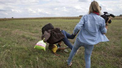 Refugee-tripping Hungarian camerawoman sentenced to probation