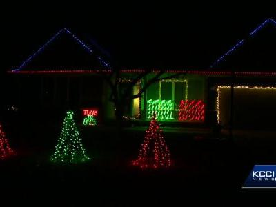 Ankeny teen creates brilliant, synchronized light display