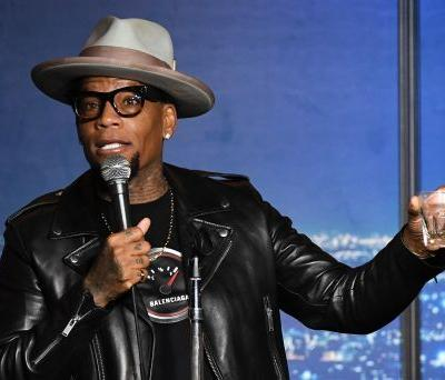 D.L. Hughley collapses on-stage at Nashville comedy club