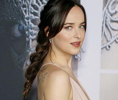 All The Lipsticks Dakota Johnson Wore in 'Fifty Shades Freed'