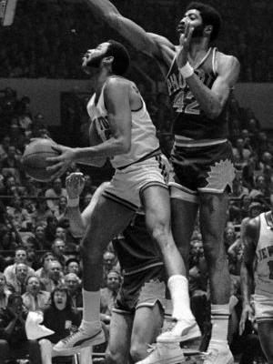 Connie Hawkins, NBA legend, dies at 75