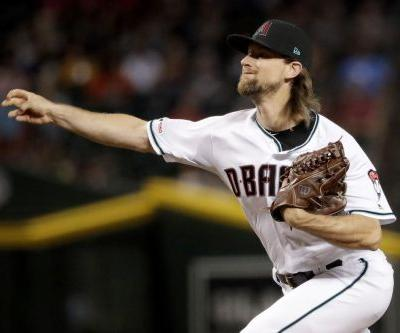 Diamondbacks' Mike Leake becomes first MLB player to opt out in 2020