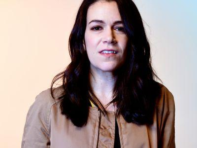 Abbi Jacobson To Star In Netflix Animated Comedy, Disenchantment