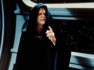 It took a month, but the Emperor is playable in Star Wars Battlefront II again