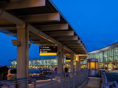 Where To Eat At Toronto-Pearson International Airport