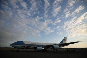 Boeing finalizes $3.9-billion deal for two new Air Force One planes