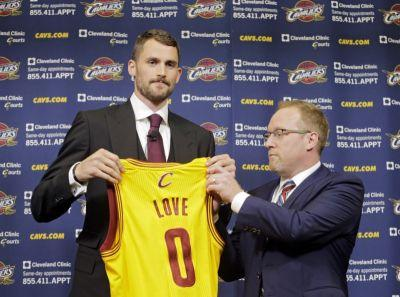 Cavaliers owner Dan Gilbert elects to let General Manager David Griffin go